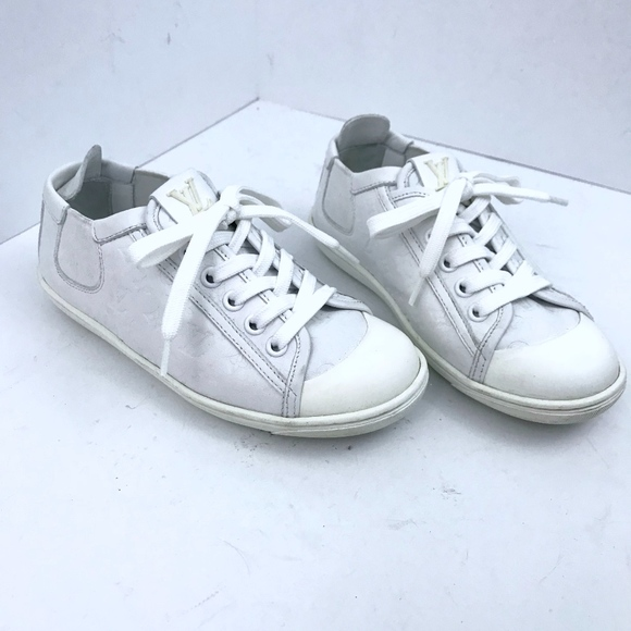 6ba9111f25a0 Louis Vuitton White Leather LV Monogram Sneaker 12